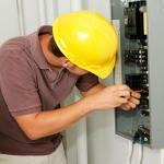 Instalação de painéis elétricos